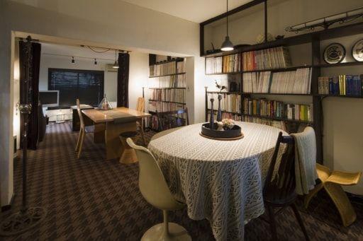 築62年のテラスハウスをリノベ。インテリアスタイリスト・窪川勝哉さんの自宅を訪問