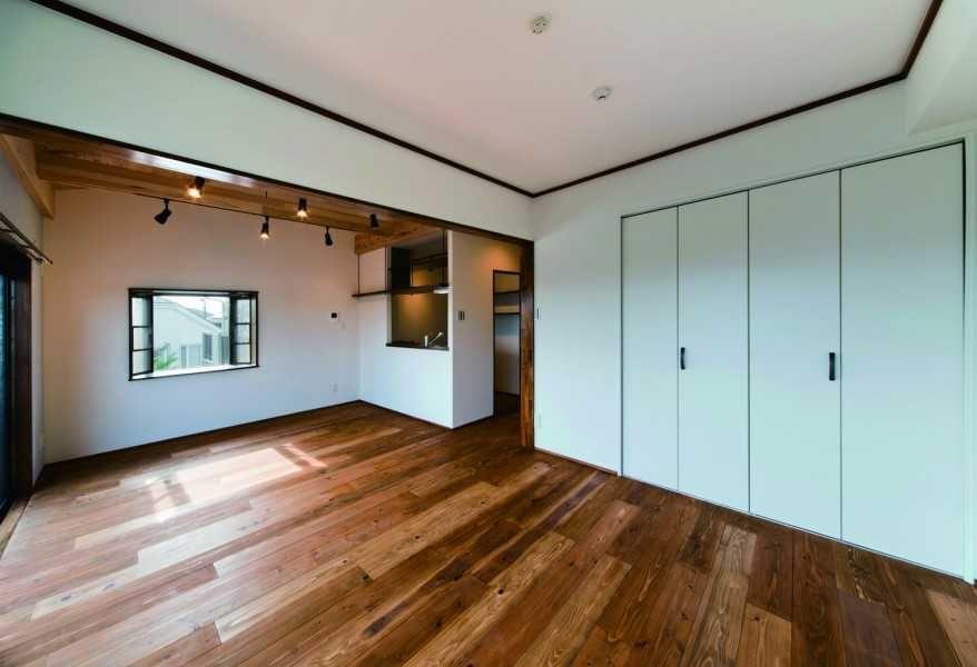 天然無垢材が家を包み込む「シンプルウッディ」