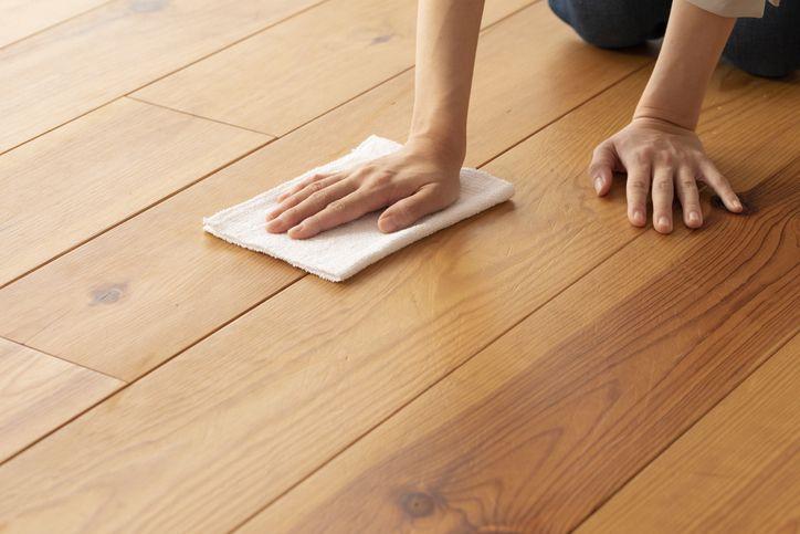 の 床 掃除 無垢 スチームクリーナーを無垢材のフローリングに使うと痛むって本当?