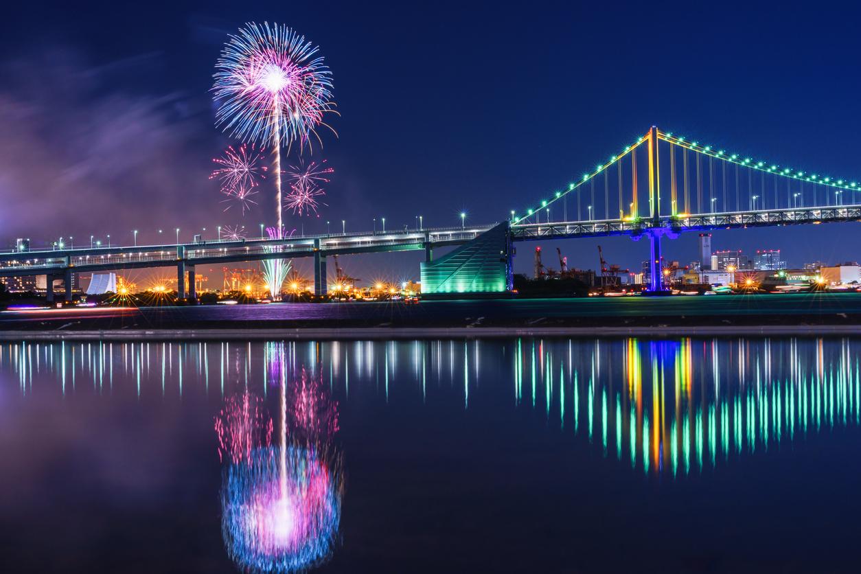 東京湾の新たな夏の風物詩を見に行きましょう