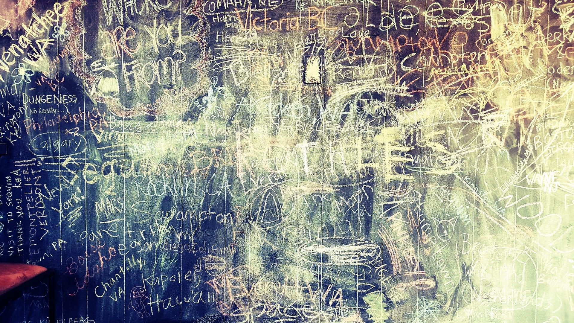 黒板塗料でお家をおしゃれなカフェ風にDIY!アレンジアイデア4選