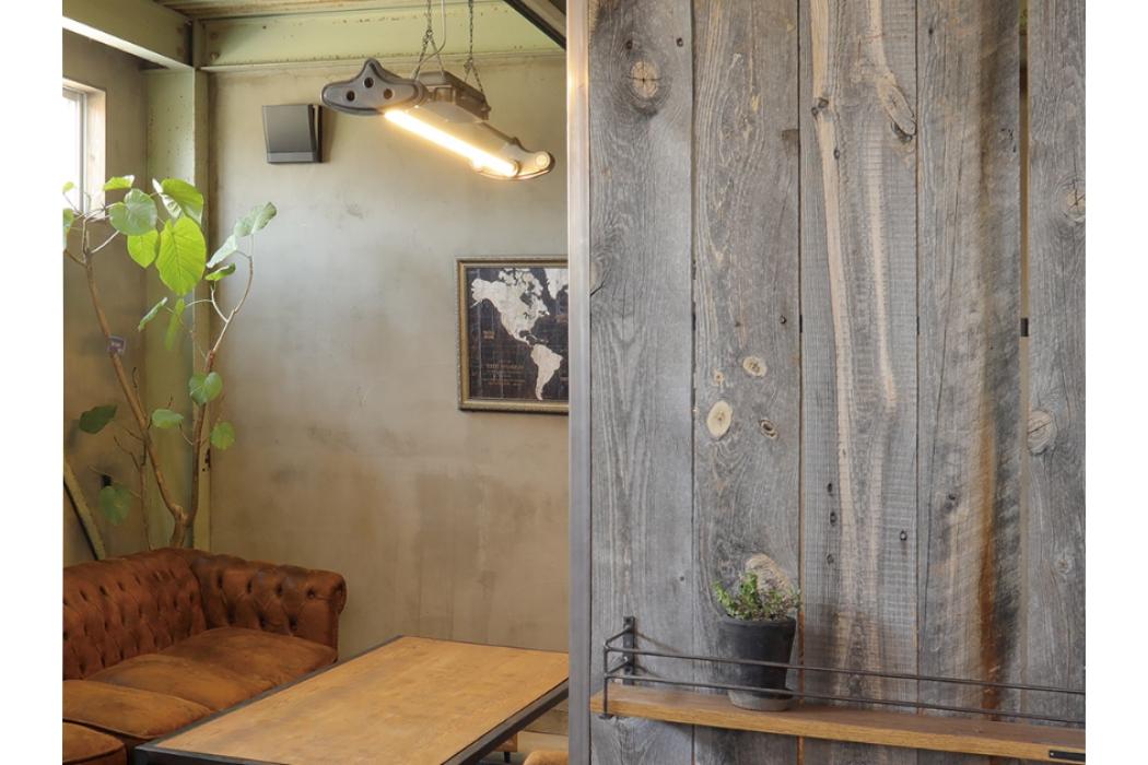 古材シルバーバーンでシックなビンテージスタイルなお部屋に変身!