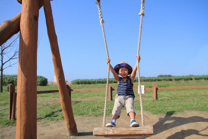 北陸エリアのトランポリンやターザンロープなどの大型遊具がある公園で遊ぼう