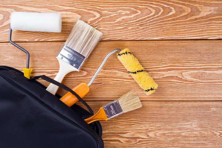 DIYの塗装はハケとローラーどちらがいいの?