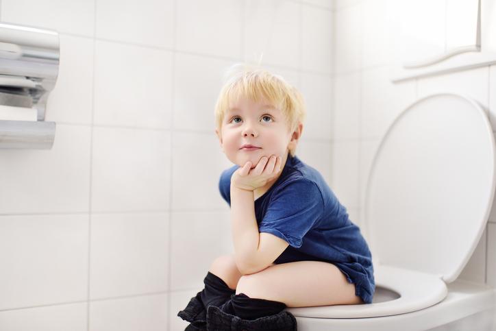 狭くてもオシャレで実用的に!トイレ収納術教えます。