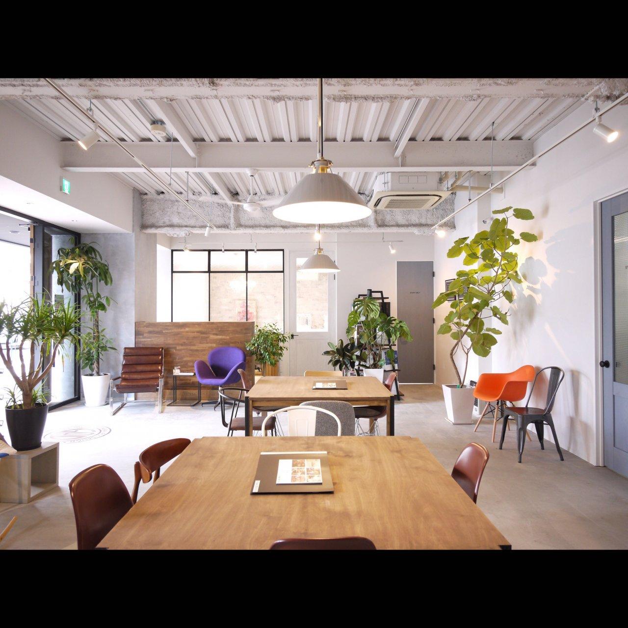 リノベ不動産|General Act Design ショールーム4 人気の室内窓や壁をタイルや塗装で仕上げあたこだわりのショールーム