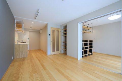 たまプラーザ美しが丘スカイマンションAウイング 【LDK】約12.5帖木目に癒される住空間。