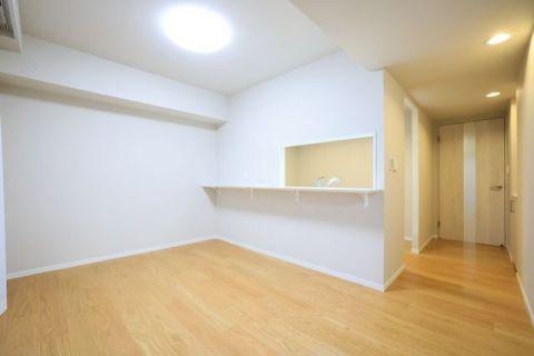 クレッセント新横浜イルドマーニ 【LDK】約20.4帖大きな家具を置いてもくつろげる広さがあります。