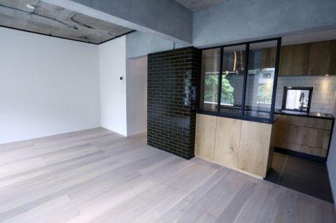 「LDK」素材感を大切にしたシンプルな空間に仕上がリ