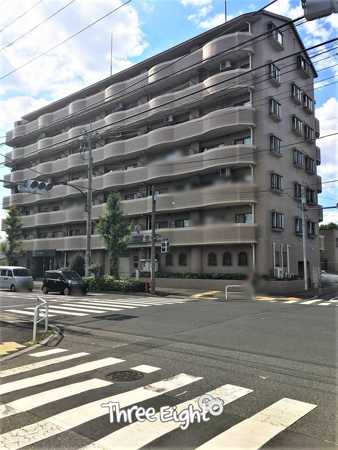 東武伊勢崎線「大師前」駅徒歩13分。