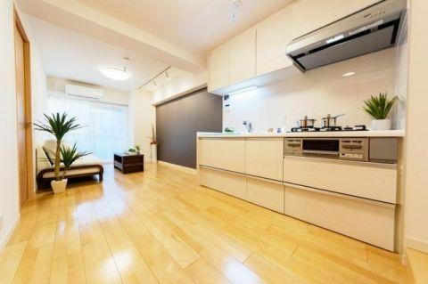 西蒲田さんろーどダイヤモンドマンション 「LDK」約10.8帖 最上階の南向き住戸。ゆったりと家族団
