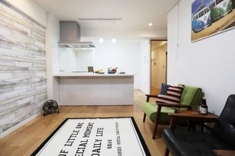 日商岩井岡本マンション 「LDK」約12.3帖 リフォーム済の綺麗な室内。お洒落な空