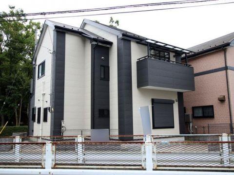 八潮市大字二丁目 八潮駅 中古戸建 全ての居室に6帖以上の広さと2面の窓があり、暮らしやすい間取