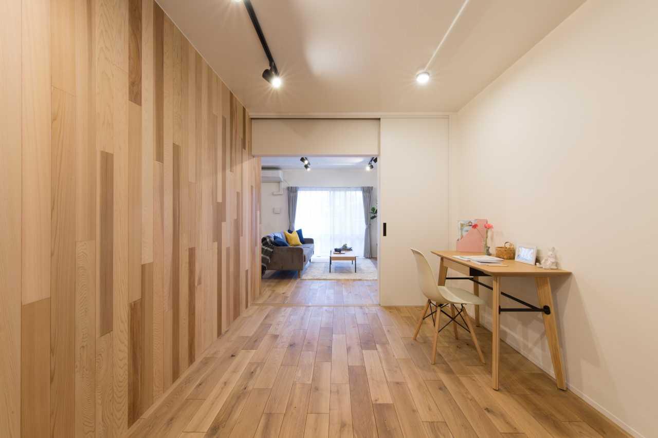 扉を開けると洋室プラスLDKの広大なスペースが確保できます。