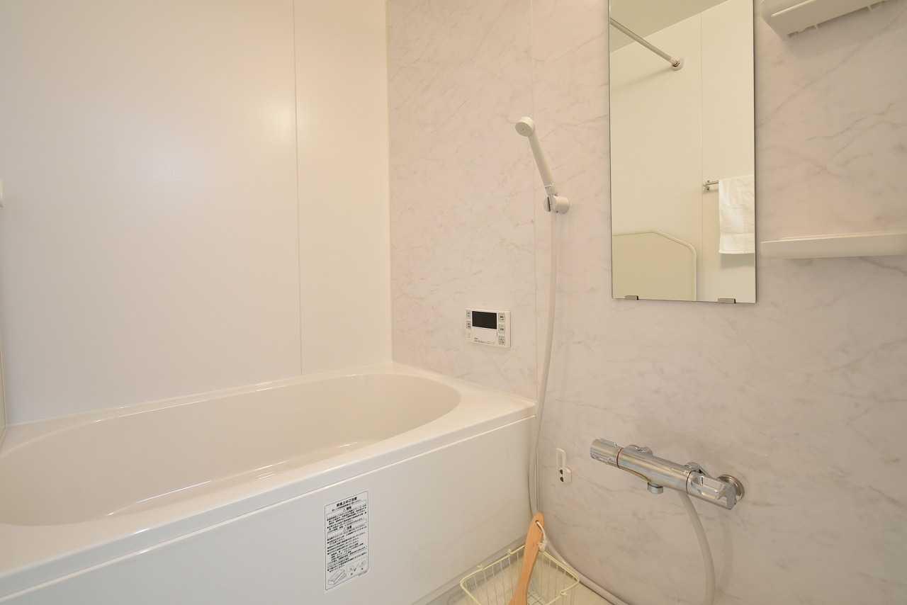 ユニットバスは1216サイズ。 浴室換気乾燥暖房完備です。
